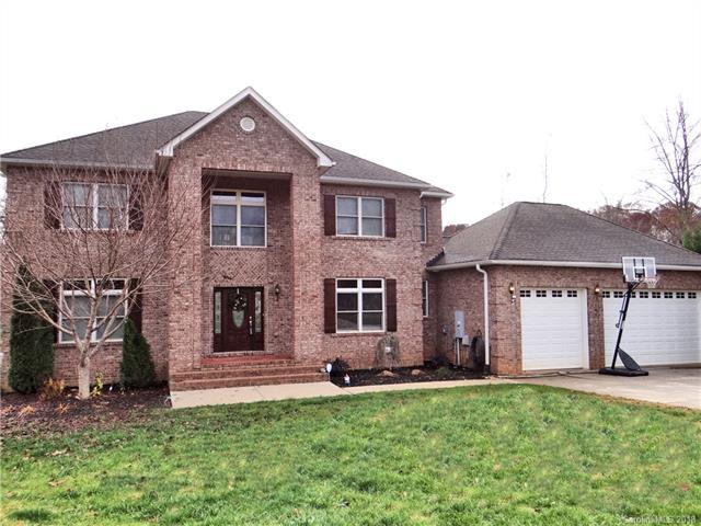 141 Cedar Woods Drive, Mooresville, NC 28117 (#3448316) :: Carlyle Properties