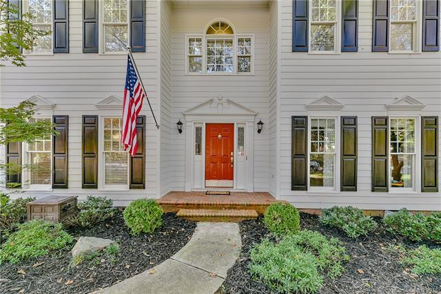 5605 Providence Glen Road, Charlotte, NC 28270 (#3448822) :: LePage Johnson Realty Group, LLC