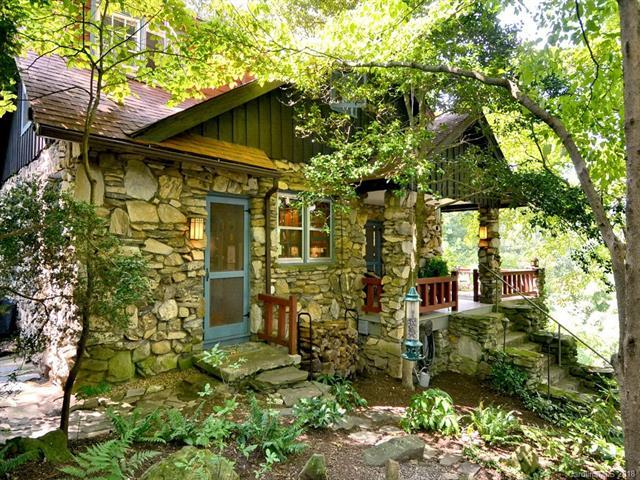 9 Pine Tree Road, Asheville, NC 28804 (#3450945) :: Homes Charlotte