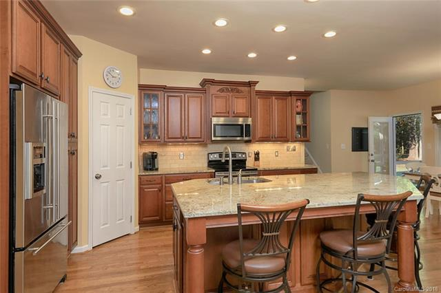 144 Fernbrook Drive, Mooresville, NC 28117 (#3451020) :: Exit Mountain Realty