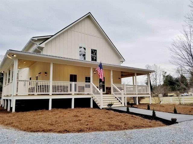 423 Rutledge Drive, Hendersonville, NC 28739 (#3451946) :: RE/MAX RESULTS