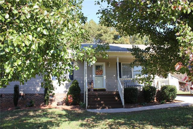 135 Yadkin River Road, Statesville, NC 28625 (#3452348) :: The Ramsey Group
