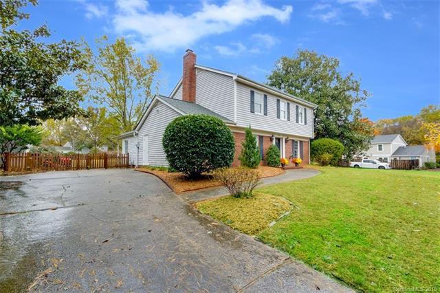 2025 Bardstown Road, Charlotte, NC 28226 (#3452556) :: Carlyle Properties