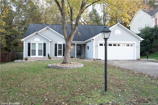 9410 Fetlock Court, Charlotte, NC 28216 (#3453015) :: Cloninger Properties