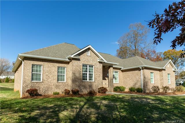2427 Falcon Lane, Statesville, NC 28625 (#3453275) :: LePage Johnson Realty Group, LLC