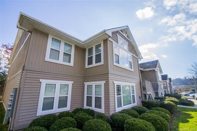 103 Morningside Lane, Hendersonville, NC 28792 (#3453972) :: Roby Realty