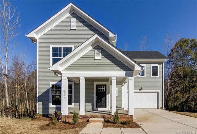 8207 Dumphries Drive, Huntersville, NC 28078 (#3453984) :: Exit Mountain Realty