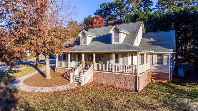 3635 Wandering Lane NE, Hickory, NC 28601 (#3455315) :: LePage Johnson Realty Group, LLC