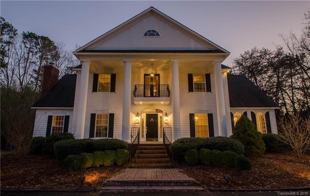 2731 Walter Drive, Concord, NC 28027 (#3455449) :: Exit Mountain Realty