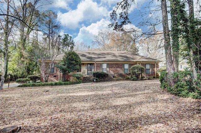 7221 Lakeside Drive, Charlotte, NC 28215 (#3457321) :: Mossy Oak Properties Land and Luxury