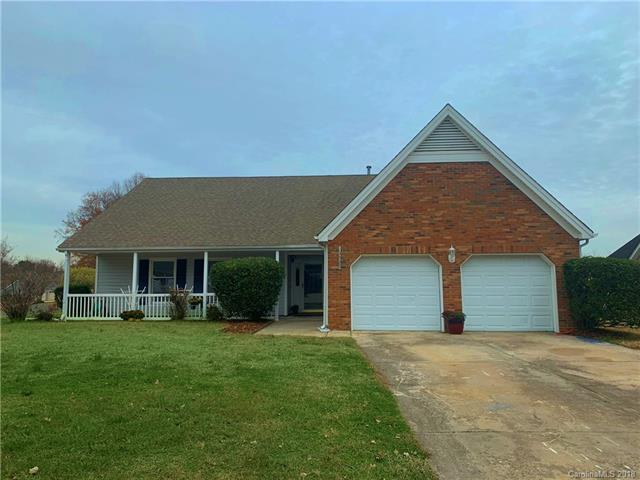 13527 Thicket Court, Charlotte, NC 28273 (#3458379) :: RE/MAX Four Seasons Realty