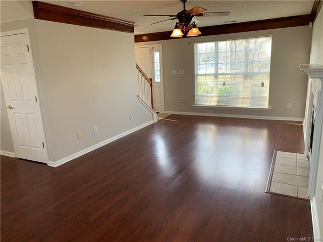 8244 Fox Swamp Road, Charlotte, NC 28215 (#3459726) :: Exit Mountain Realty