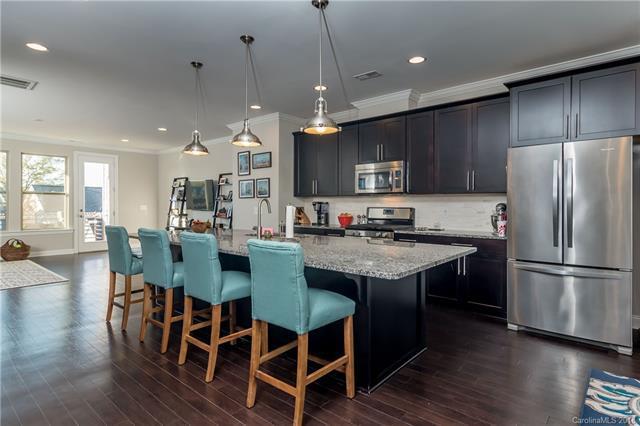 3325 Bending Birch Place, Charlotte, NC 28206 (#3461064) :: MartinGroup Properties