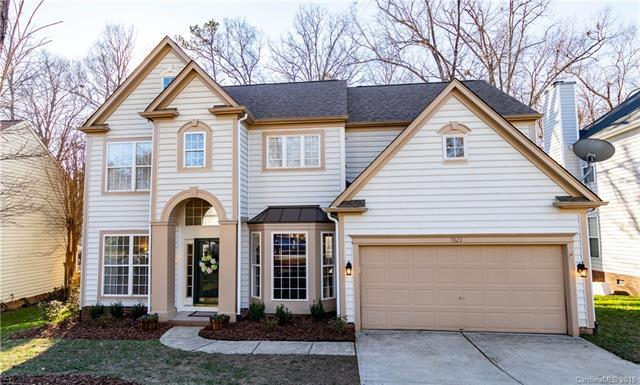 7821 Taymouth Lane, Charlotte, NC 28269 (#3461559) :: Odell Realty