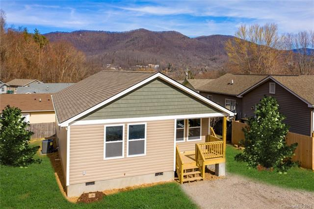 9 Half Moon Drive, Swannanoa, NC 28778 (#3463540) :: Puffer Properties