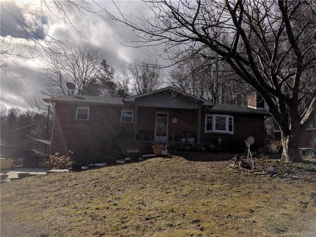101 Plantation Drive, Hendersonville, NC 28792 (#3463912) :: Puffer Properties