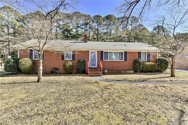 3709 Dandridge Circle, Matthews, NC 28105 (#3465433) :: Charlotte Home Experts