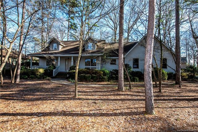 14 Honeysuckle Woods, Lake Wylie, SC 29710 (#3467035) :: Keller Williams South Park