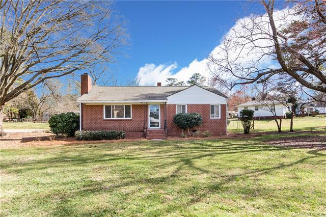 200 Radio Road, Charlotte, NC 28216 (#3467448) :: Homes Charlotte