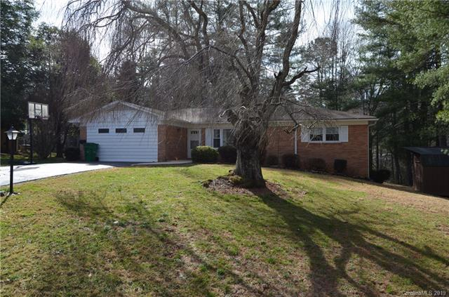 3231 Magnolia Drive, Hendersonville, NC 28792 (#3472841) :: Puffer Properties
