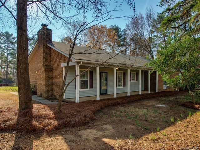 1720 Kimway Drive, Matthews, NC 28105 (#3473222) :: Homes Charlotte
