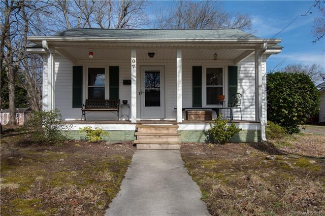407 E 11th Street, Kannapolis, NC 28083 (#3475054) :: Odell Realty