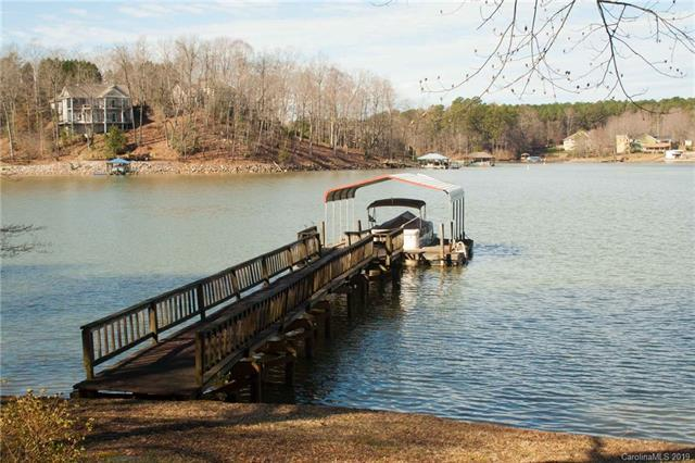 1367 Roundstone Road, Sherrills Ford, NC 28673 (#3475545) :: Mossy Oak Properties Land and Luxury
