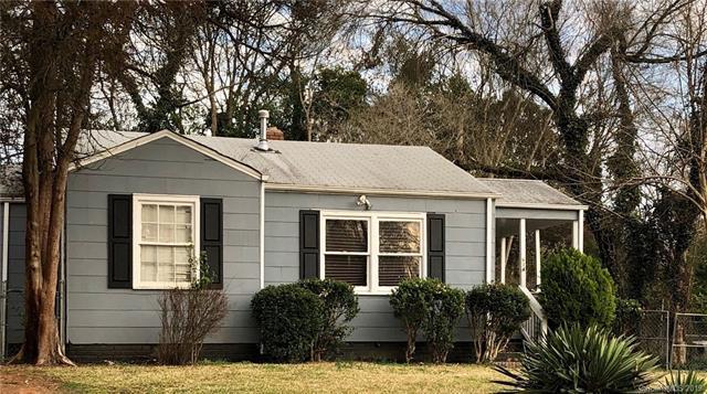 614 Seldon Drive, Charlotte, NC 28216 (#3476115) :: Roby Realty