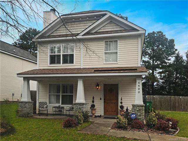 4400 Cochran Farm Lane, Charlotte, NC 28269 (#3477539) :: Odell Realty