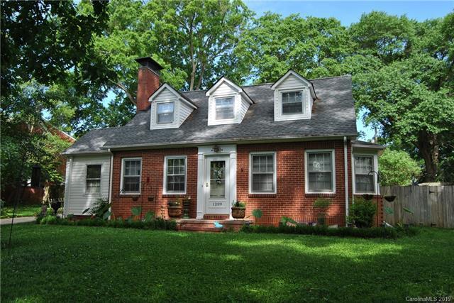 1209 Oakwood Avenue, Gastonia, NC 28052 (#3479353) :: LePage Johnson Realty Group, LLC