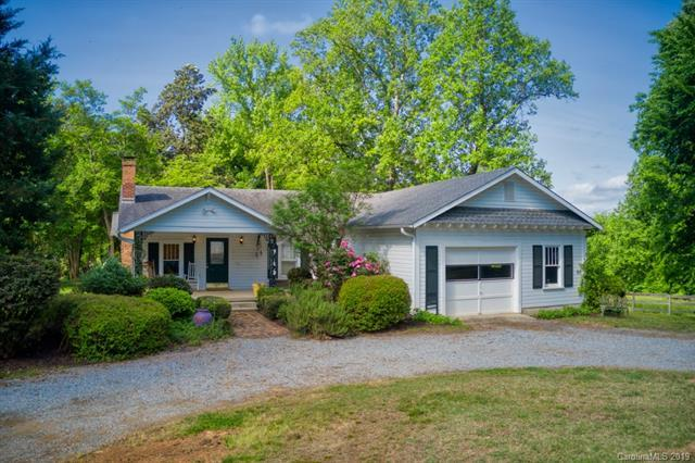 5975 Hunting Country Road, Tryon, NC 28782 (#3480320) :: Caulder Realty and Land Co.