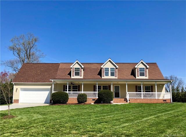 132 Top Flite Drive, Statesville, NC 28677 (#3480657) :: Rinehart Realty