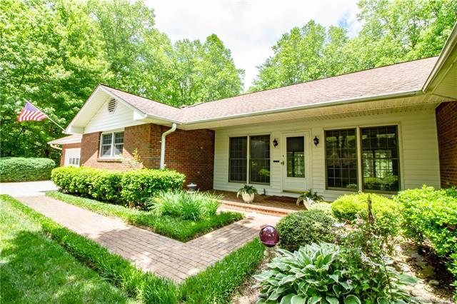 1911 Country Club Road, Hendersonville, NC 28739 (#3481470) :: Keller Williams Professionals