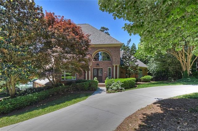 18125 Sunset Cove Lane, Cornelius, NC 28031 (#3481759) :: Carlyle Properties