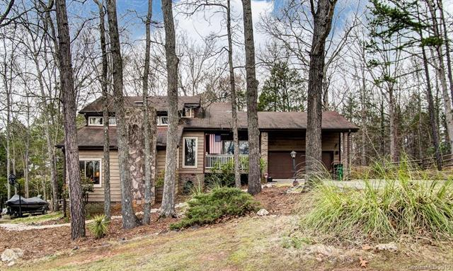 7714 Robin Crest Road, Charlotte, NC 28226 (#3482541) :: Team Honeycutt
