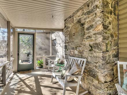 621 Rhododendron Avenue, Black Mountain, NC 28711 (#3485698) :: Puffer Properties