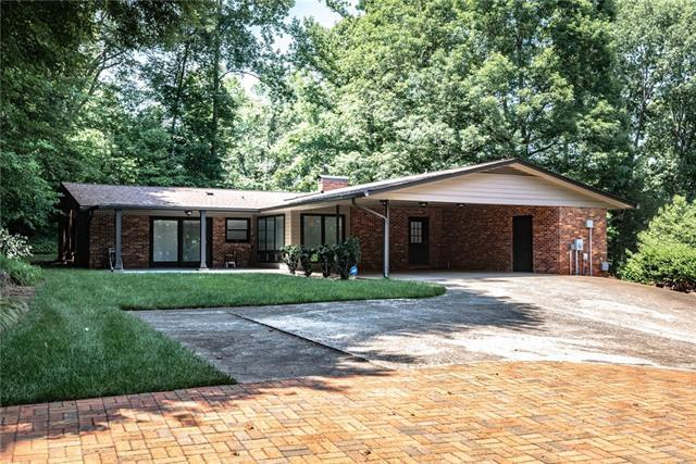 1964 19th Ave Court NW, Hickory, NC 28601 (#3490400) :: Homes Charlotte