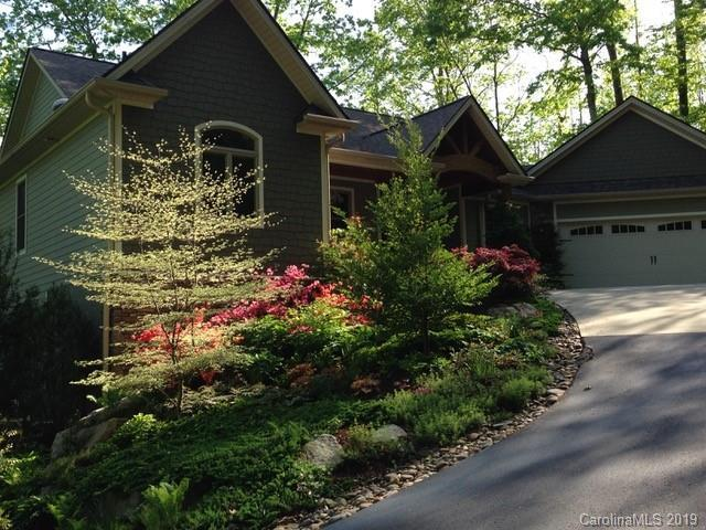122 Mountain Crest Drive, Hendersonville, NC 28739 (#3490978) :: IDEAL Realty