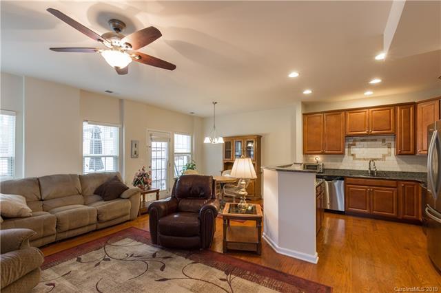 2601 Silverthorn Drive, Charlotte, NC 28273 (#3491009) :: Washburn Real Estate