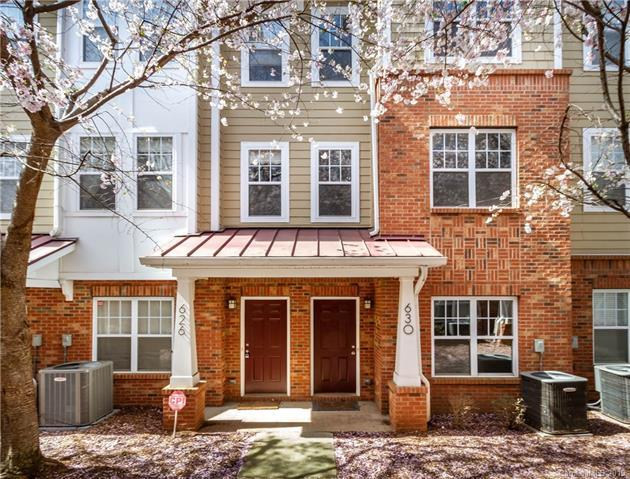 630 Raya Court, Charlotte, NC 28204 (#3491377) :: Keller Williams South Park