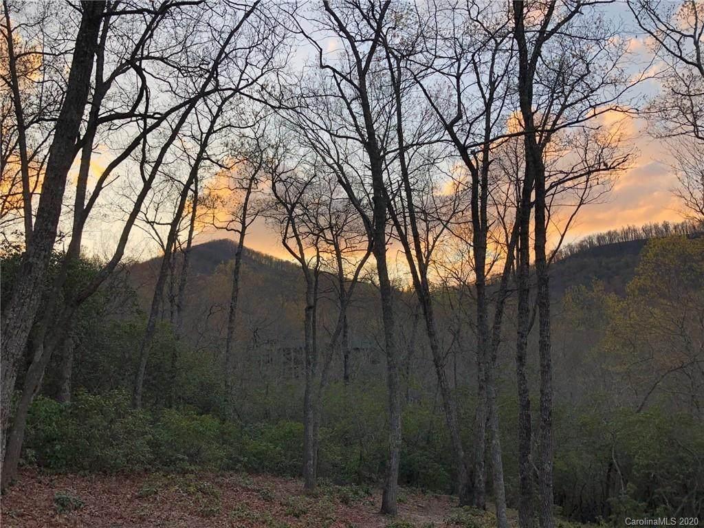 423 Walnut Valley Parkway - Photo 1