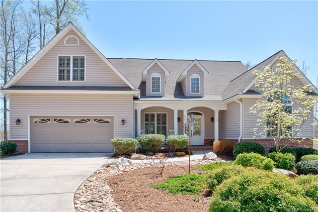 284 Bay Laurel Lane, Hendersonville, NC 28791 (#3492247) :: Washburn Real Estate