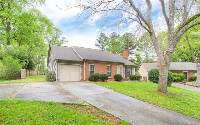 729 Shawnee Drive, Charlotte, NC 28209 (#3493801) :: Washburn Real Estate