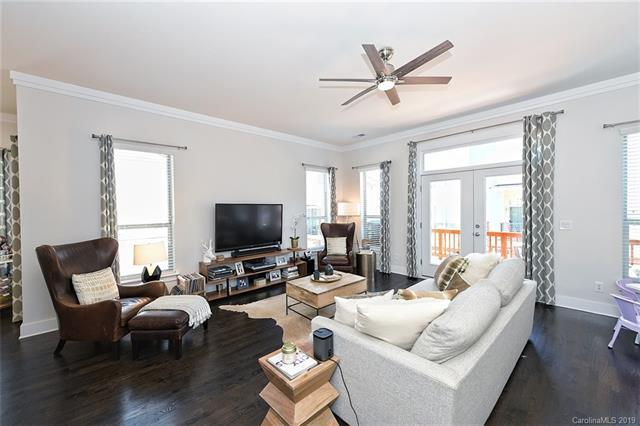 915 Steel House Boulevard, Charlotte, NC 28205 (#3494729) :: Washburn Real Estate