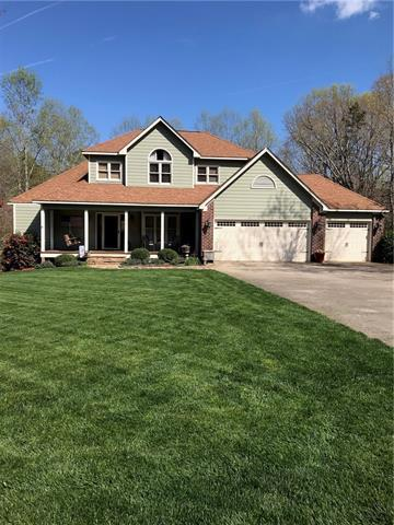 4830 Glen Hollow Lane NE, Hickory, NC 28601 (#3502377) :: Caulder Realty and Land Co.