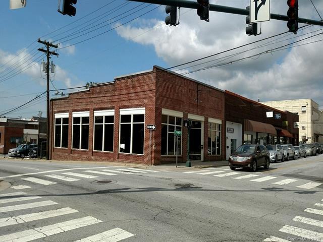 146 3rd Avenue, Hendersonville, NC 28792 (#3502389) :: Washburn Real Estate