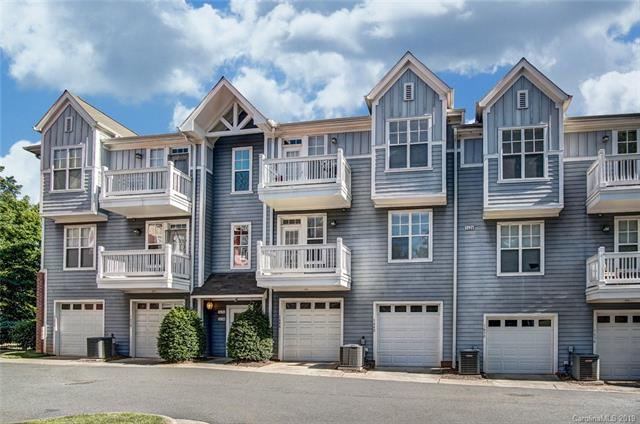 1642 Walnut View Drive, Charlotte, NC 28208 (#3504238) :: Caulder Realty and Land Co.