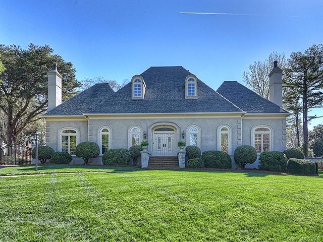 6701 N Baltusrol Lane, Charlotte, NC 28210 (#3505912) :: MartinGroup Properties