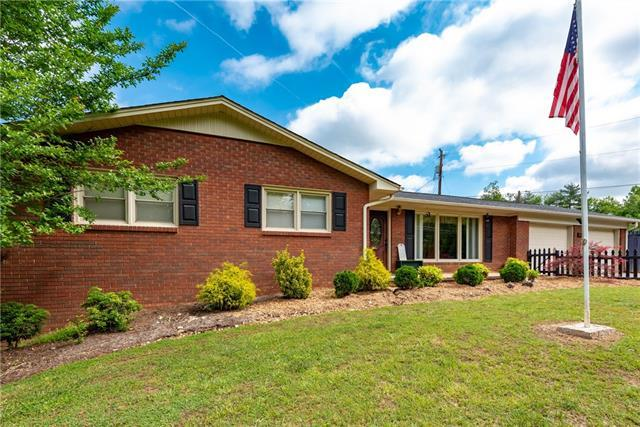 1612 Orchard Drive, Lenoir, NC 28645 (#3506068) :: Washburn Real Estate