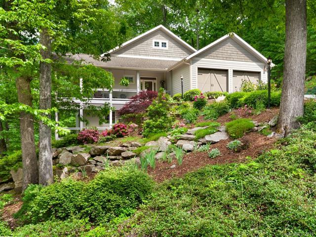130 Stonebridge Drive, Hendersonville, NC 28739 (#3506732) :: Keller Williams Professionals